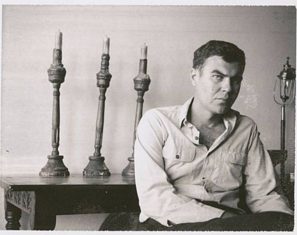 a biography of raymond carver Raymond carver's life, as related in the exhaustive and definitive new biography by carol sklenicka, reads like a raymond carver story that isn't merely a facile observation about a writer who.