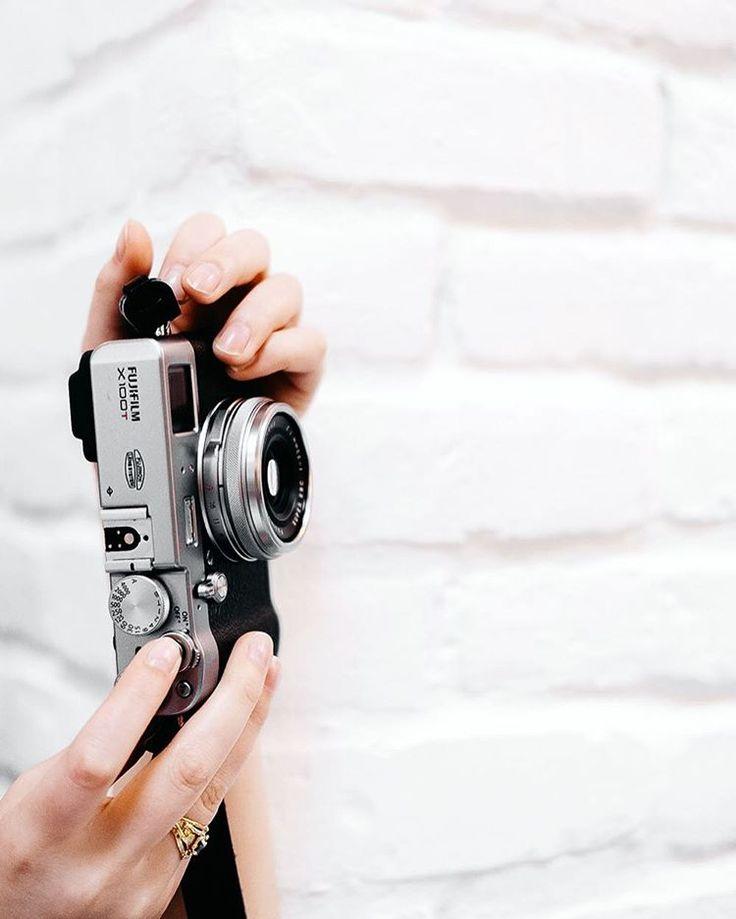 Fuji X-100 T, love this camera!