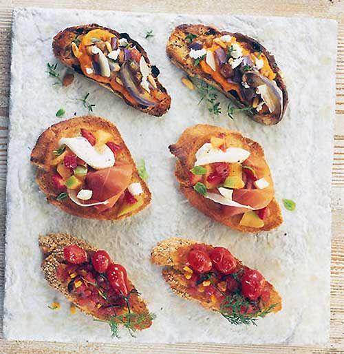 Bruschette prosciutto di Parma e insalata di melone