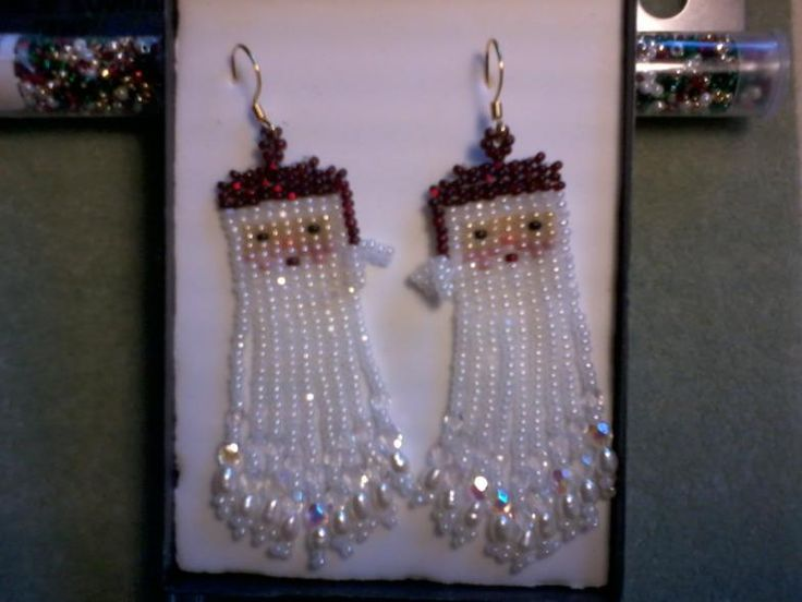Beaded Santa Claus. Could be use for a barret, necklace, earrings