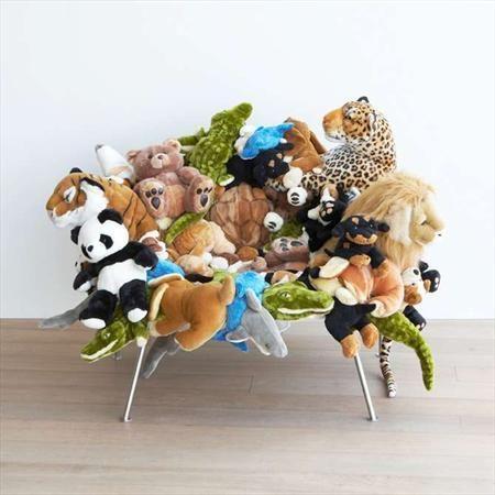 chaise en crocodile couvert de nounours freres camapana