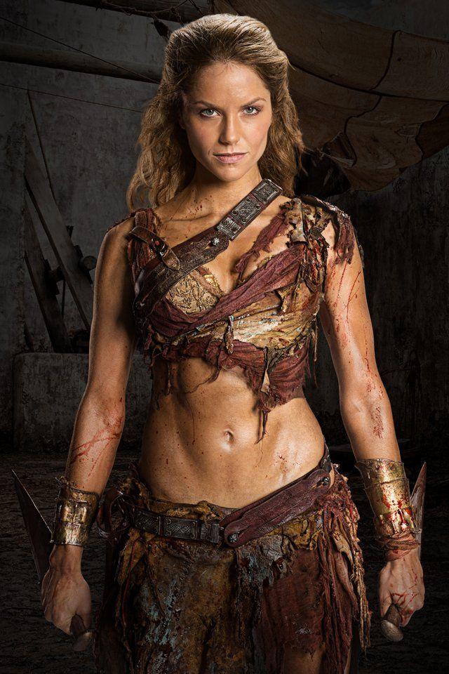 Still of Ellen Hollman in Spartacus: War of the Damned