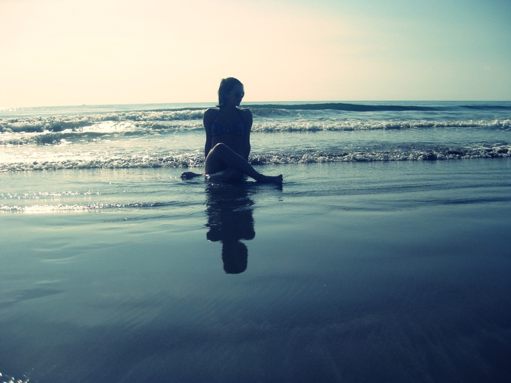 Singing to an ocean, I can hear the ocean's roar. Play for free, play for me and play a whole lot more.