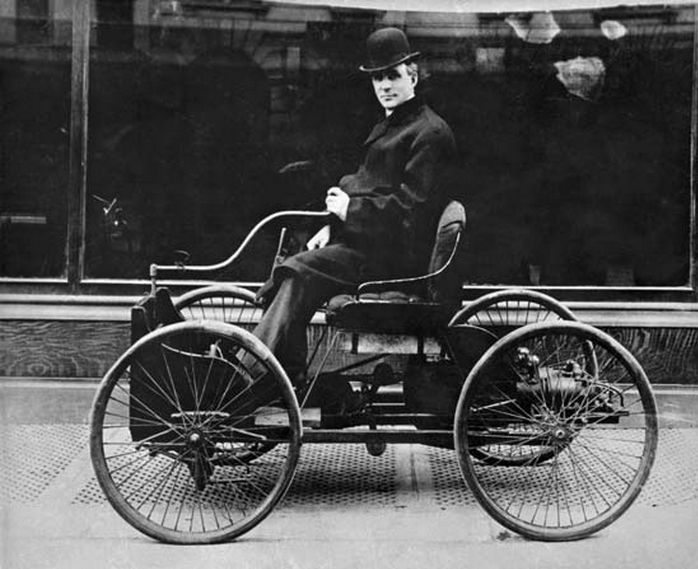 Henry Ford in the first car he ever made a Ford Quadricycle u201cQuality means  sc 1 st  Pinterest & Die besten 25+ Henry ford first car Ideen auf Pinterest | Henry ... markmcfarlin.com