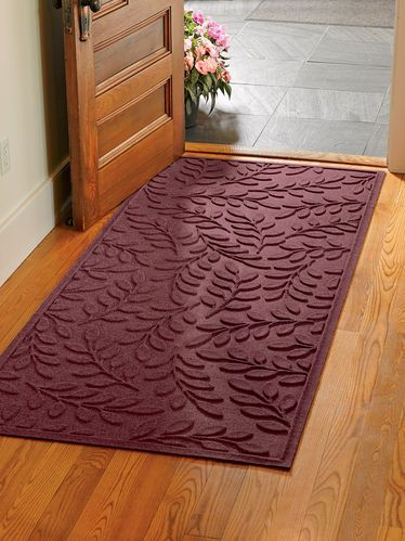 Laurel Leaf Water Glutton Runner Mat, 3' x 7'http://www.gardeners.com/Laurel-Leaf-Water-Glutton-Doormat-3x7/8587614,default,pd.html?start=10&cgid=Mudroom