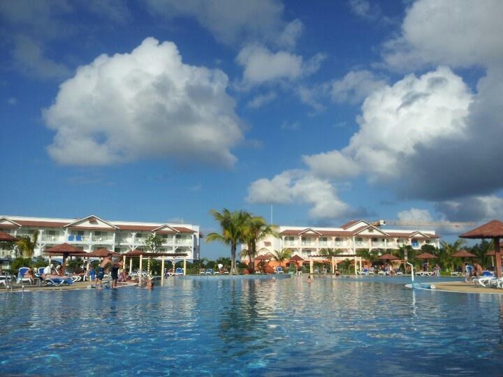 Memories Flamenco Resort