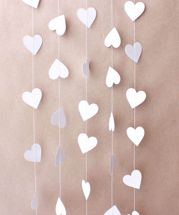 Décoration Saint Valentin, Valentine Garland, mariage Garland, bannière de coeur, Valentine Photo Prop, guirlande en papier coeur, guirlande coeur blanc par MailboxHappiness sur Etsy https://www.etsy.com/fr/listing/173680204/decoration-saint-valentin-valentine