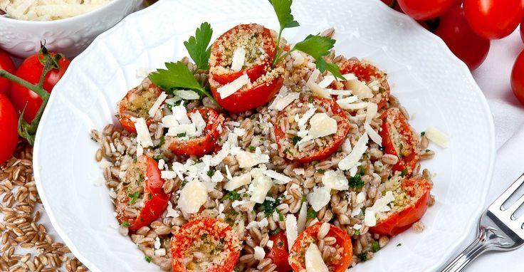 Per gli amanti del farro, una preparazione leggera e gustosa, comoda anche per i pranzi fuori casa, che regala salute e soddisfa il palato.