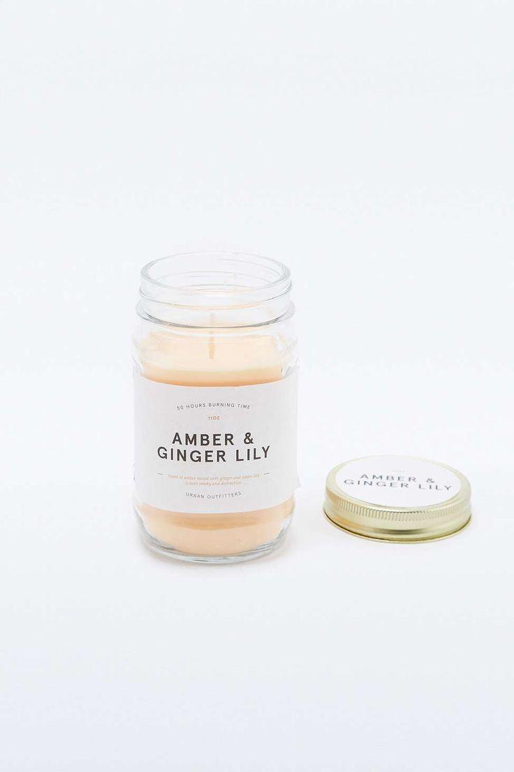 Bougie parfumée http://www.homelisty.com/comment-preparer-votre-maison-pour-le-froid-lhiver-9-astuces/