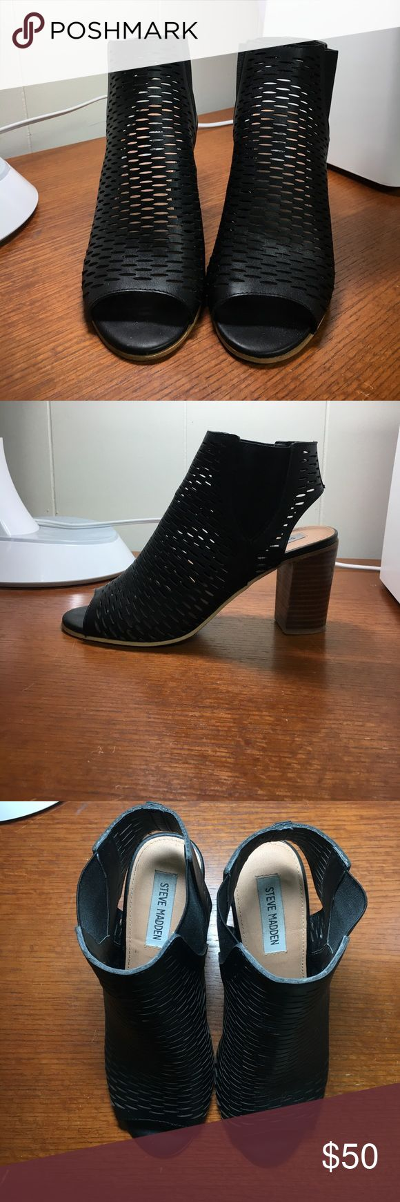 Steve Madden black heeled booties Worn twice, Block heel, with a peep toe, cut out leather upper material Steve Madden Shoes Ankle Boots & Booties