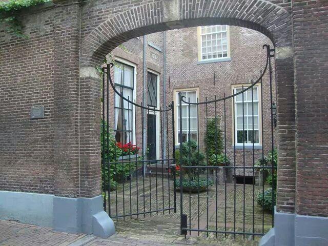 Hofje aan de Praubstraat in Zwolle ♡