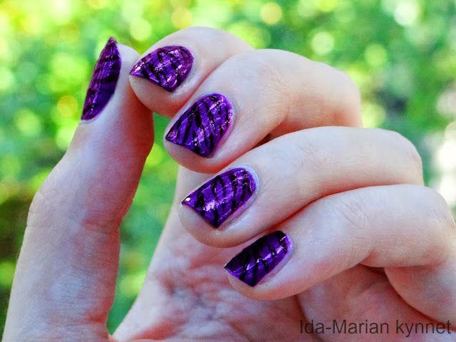 Ida-Marian kynnet / Purple short nails with animal print / #Nailart #Nails