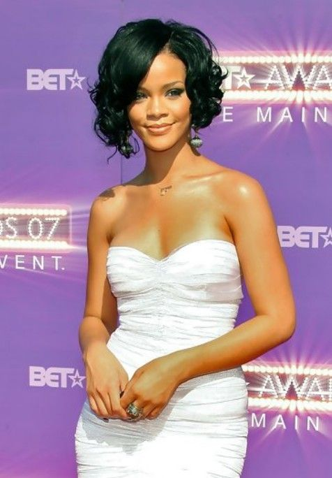 Rihanna Short Haircut: Curly Black Bob Hairstyles | Hairstyles Weekly