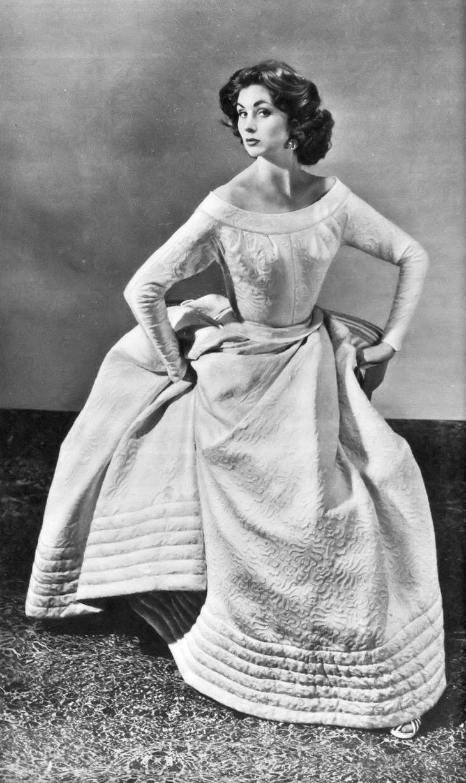 Suzy Parker, Photo by Regina Relang, 1954-55 | flickr skorver1