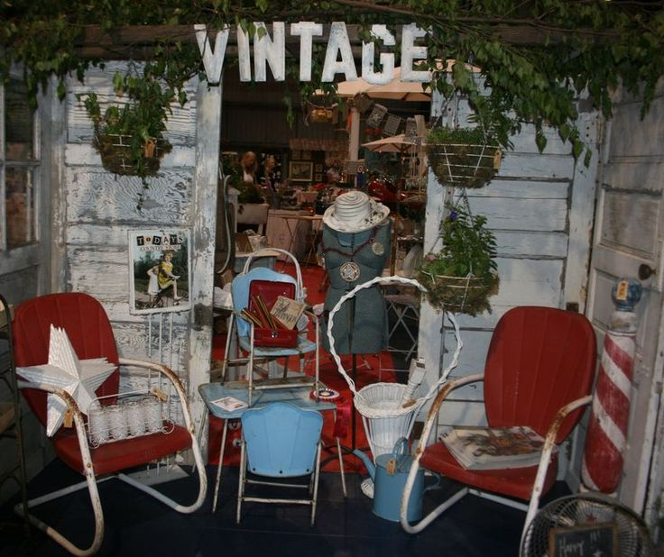 Antique Mall Booth Display Ideas | ... booth at the Funky Junk Sisters Antique Show and Flea Market in.  LIKE THE VINTAGE SIGN
