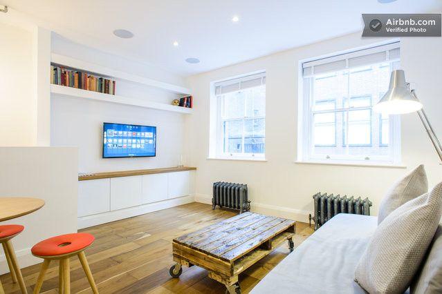 Shoreditch - Brand new, interior designed luxury flat - classic London cool meets modern tech apartment!