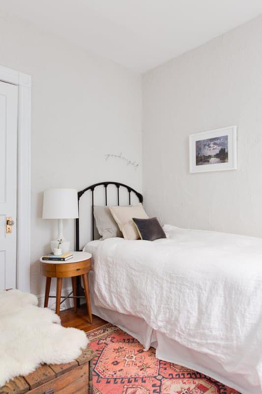 Este pequeño apartamento en Brooklyn  tiene un montón de detalles, tanto en la distribución de la casa con las molduras, ventanas y suelos,...