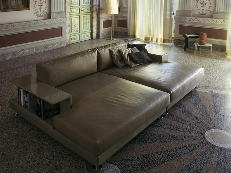 Upholstered sofa Ribaldo Collection by VALDICHIENTI | design Vittorio Prato