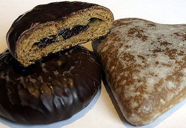 Special tasks carried out during Advent are the baking of the Christmas piernik or honey cake/gingerbread. Which has been made since the middles ages in the city of Torun