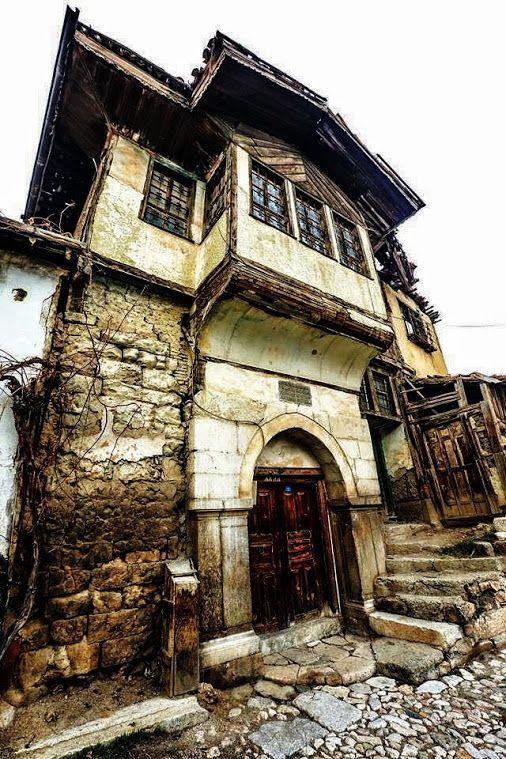 Google+Sulusokak ta eski bir ev TOKAT - TURKEY foto- Kenan KayhanO.Faruk Uzar