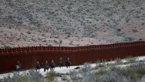"""Résultat de recherche d'images pour """"trump et le mur entre le mexique et les usa"""""""