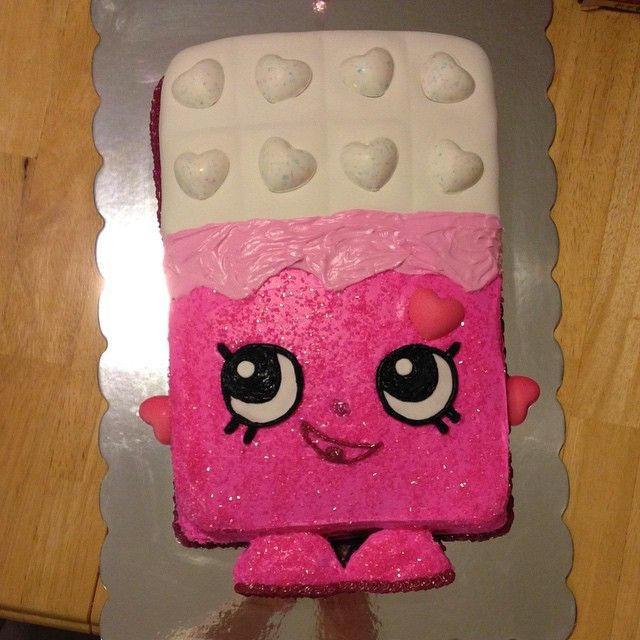 Can't wait for Emma to see this baby! Thanks to aunt @stephanie_gagen #shopkins #shopkinscake