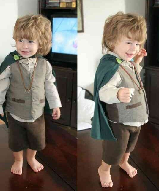 oh my goodness! this is too cute! Frodo costume