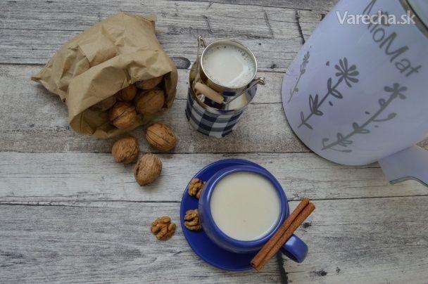 Domáce mlieko z orechov pre alergikov na mlieko