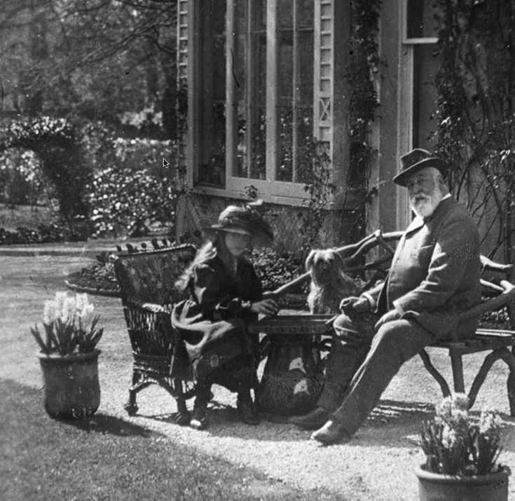 Agatha Christie with her father Fred Miller.