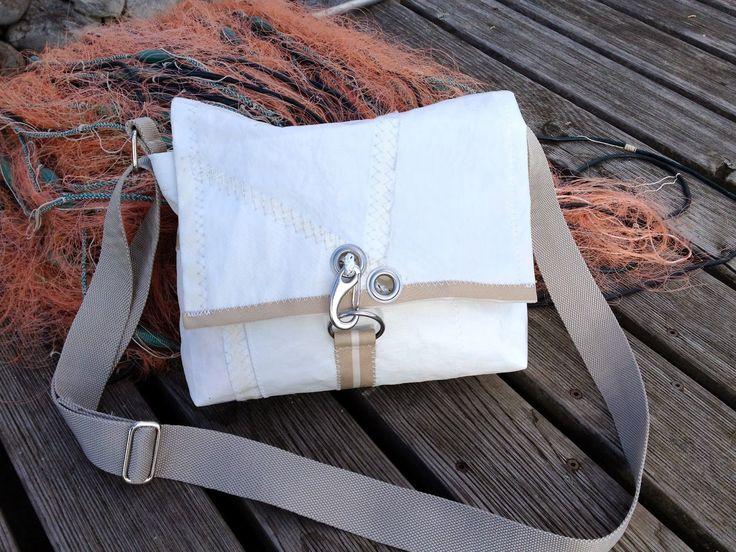 Neu gemacht:  Kleine Segeltaschen- Segeltuchtaschen