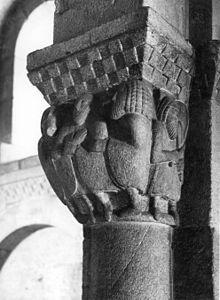 Igreja de São Cristóvão de Rio Mau –Igreja de Rio Mau: vista de um capitel da capela-mor. Wikipédia, a enciclopédia livre