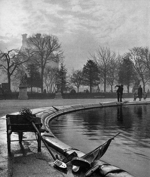 Patrice Molinard, Jardin des Tuileries, Paris, 1952.