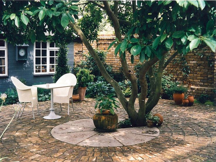 12 best st ives cn images on pinterest for Paved courtyard garden ideas