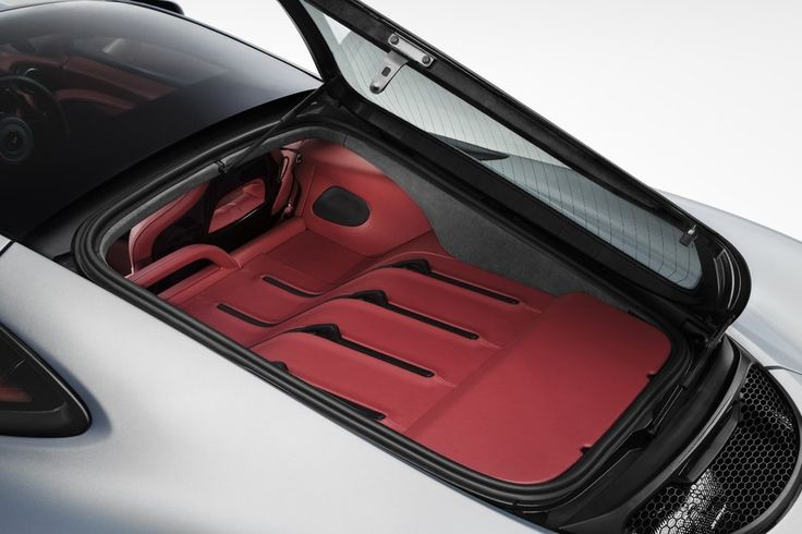 The luggage space means the 570S has lost its flying buttresses