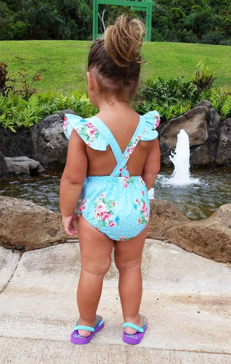 70% OFF. The sweetest there ever was... Baby girl romper dress, cross back, flared shoulders, elastic waist, matching head wrap included - perfect for summer days, buy it now!