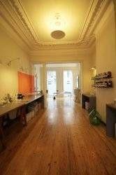 Immeuble de rapport à vendre à Ixelles - 1 chambres - 400m² - 995 000 € - Logic-immo.be - Ixelles, proche de l'avenue Louise, maison de rapport de 1910, 400m² brut et 343 m² habitables, avec un rez commercial de 126m² avec véranda (tout commerces: horeca, bureau, profession libérale...). P...