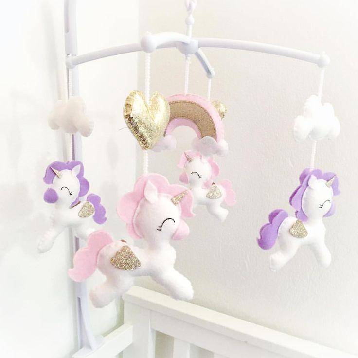 ✨With golden hearts ✨ . . . #idaskreativa #mobil #mobile #spjälsäng #sängmobil #spjälsängsmobil #babymobil #nursery #nurserymobile…