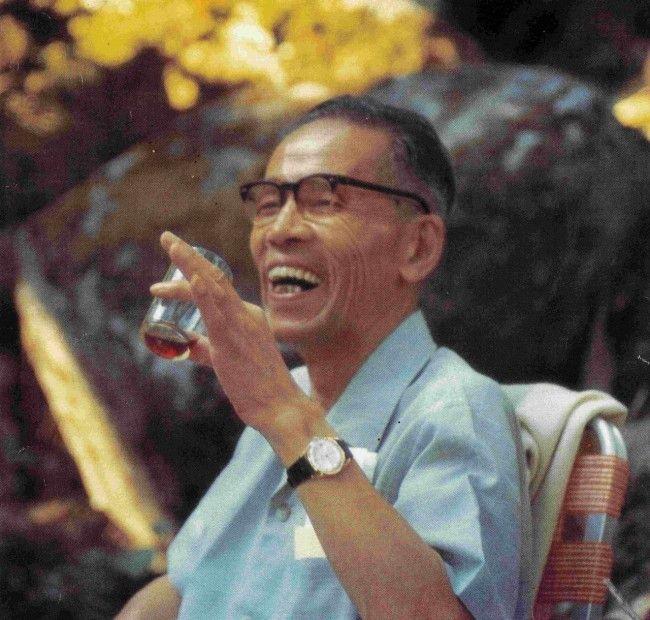 George Ohsawa, pe numele său adevărat Yukikazu Sakurazawa este fondatorul dietei macrobiotice. Alimentaţia macrobiotică mai este denumită şi arta longevităţii şi a reîntineririi, deoarece dieta macrobiotică este de fapt un mod de viaţă, în armonie cu natura şi cu mediul. De-a lungul anilor, ea a fost folosită pentru a vindeca unele boli, inclusiv cancerul. Dieta …