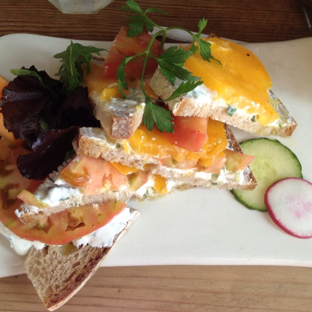 Heirloom tomatoes, Tomatoes and Sandwiches on Pinterest