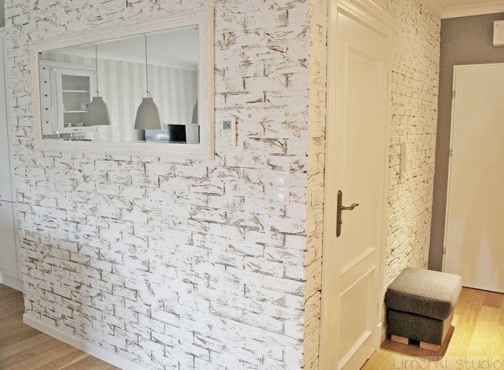 Mieszkanie w stylu klasycznym : Klasyczny korytarz, przedpokój i schody od Limonki Studio