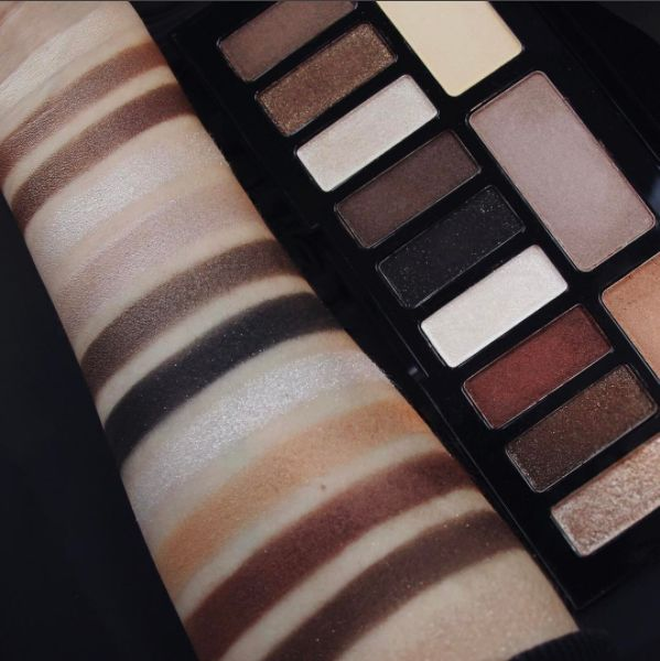 http://www.revelist.com/beauty-news-/shade-light-glimmer-swatch/8028/Here is the entire Shade   Light Eye Contour Glimmer palette swatched. It's GORGEOUS./1/#/1