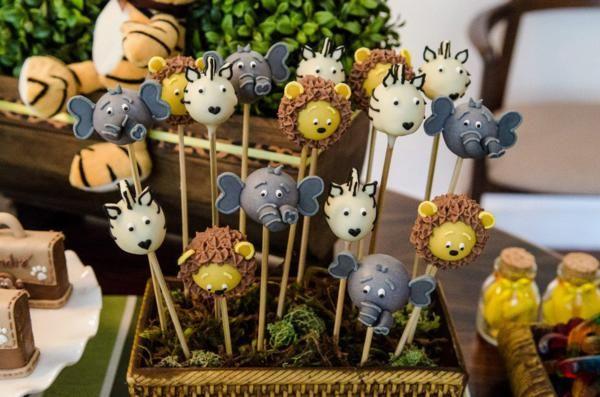 Safari Jungle themed birthday party via Kara's Party Ideas #jungle #safari #birthday #party #ideas #cake #idea #baby #shower #1st #decorations #supplies (21)