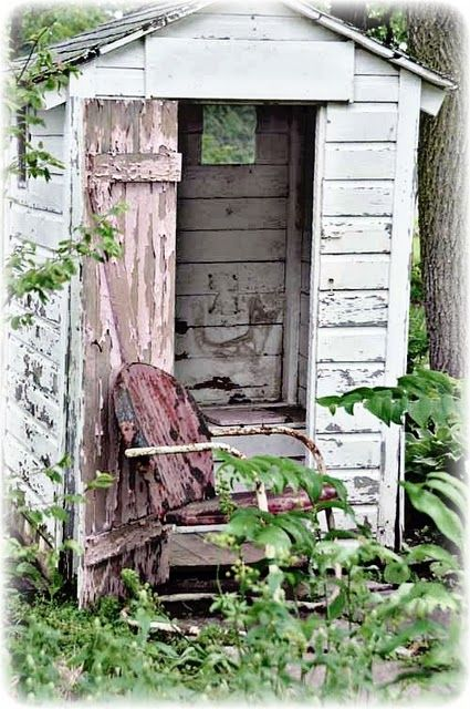 Rusty chairRustic Gardens, Vintage Outhouse Pictures, Vintage Metals, Abandoned Outhouse, Outhouse Barns, Old Chairs, Vintage Inspiration, Rustic Outhouse, Old Barns