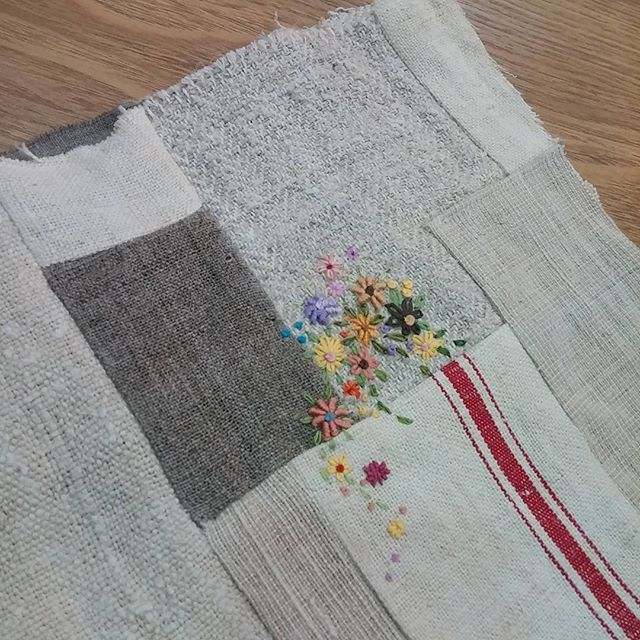 #Embroidery#stitch#needlework#hamp linen #프랑스자수#일산프랑스자수#자수#햄프린넨 #조각 햄프린넨에 자수~~ 크로스가방을 만들어볼까?