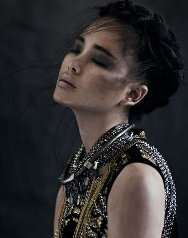 Couture Warrior Princesses - Fashionistas are Called to Battle in the Xi Sinsong 'Wahine' Series (GALLERY)