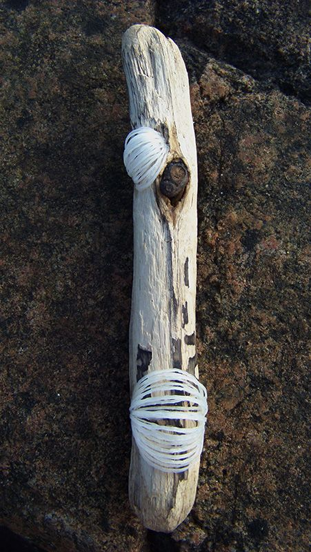 Tideroot No.1 / brooch, 13cm driftwood and recycled plastic bags silver-crane.com