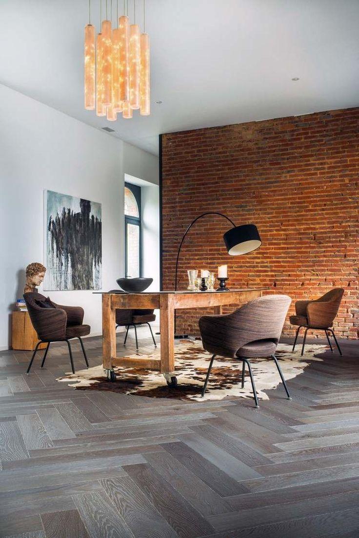 Wohnzimmer mit ziegelwand und grauem parkett interior - Wohnzimmer ziegelwand ...