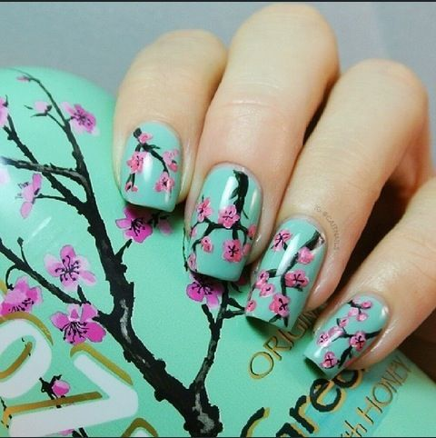 Amazing! Arizona Iced Tea bottle nail art
