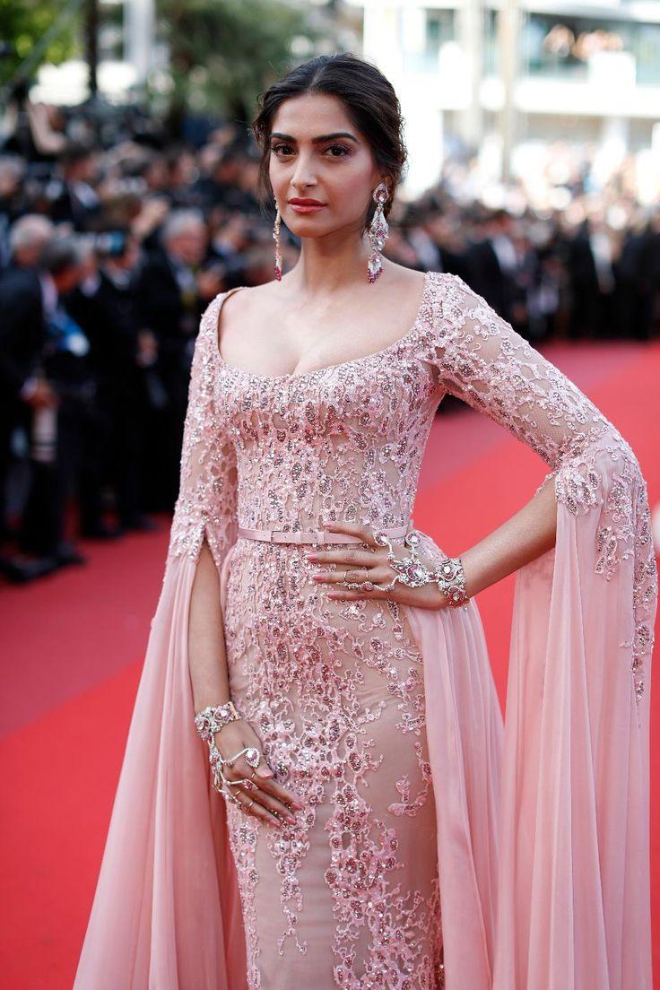 Sonam Kapoor at Cannes 2017 #bollywood #hautecouture #cannes2017 #devscostumes