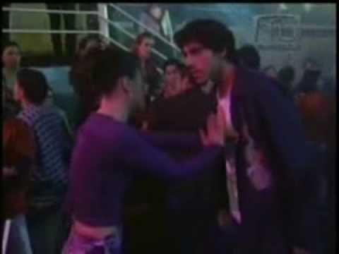 El Juego de la Vida: Primer beso de Fernanda y Diego - YouTube